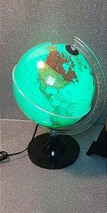 Globo Terrestre 21 cm aquarela verde led Branco base preta - Libreria