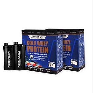 2 Whey Protein Gold's Gym Concentrado Suplemento alimentar 2kg Sabor Banana Caramelizada + 2 Coqueteleiras