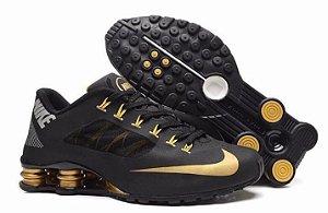 Nike Shox R4 Superfly Preto e dourado