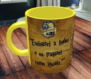 Caneca Casa Hogwarts Hufflepuff Frase + Nome - Harry Potter