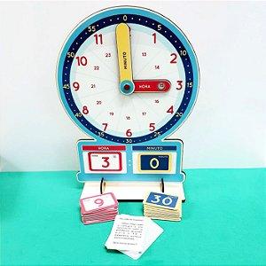 Relógio Analógico e Numeral com peças magnéticas