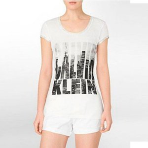 Camiseta Calvin Klein Feminina Scoopneck Cityscape Logo - White