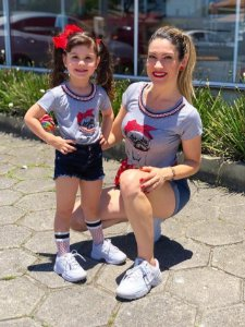 T-shirts Kit Mãe e Filha Cachorrinho Cinza