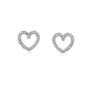 Brinco vazado coração cravejado com micro zircônias no ródio branco