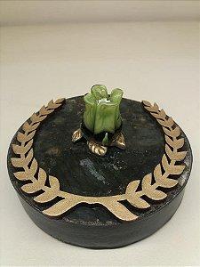 Incensario em granito com flor de lotus