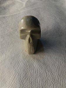 Mini cranio em pedra cinza