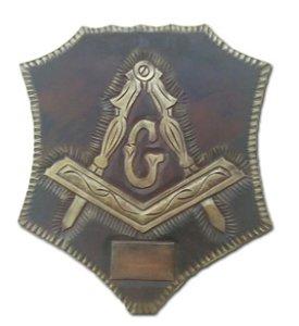Quadro Esquadro e Compasso em madeira entalhada