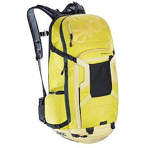 Mochila Fr Tour Team 30 litros M/L Verde com Amarelo
