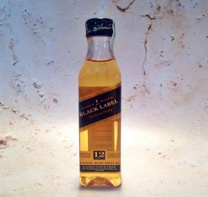 Whisky Black Label Miniatura 50 ml