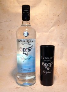 Kit Vodka Svarov 1 litro C/ copo exclusivo