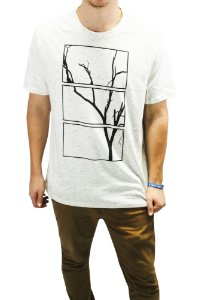 CAMISETA MANGA CURTA ESTAMPA TREE RETÂNGULOS COR OFF WHITE