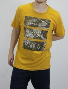 CAMISETA MANGA CURTA ESTAMPA JUST GOOD VIBES COR MOSTARDA