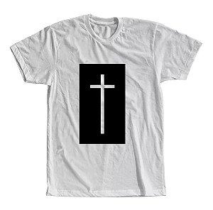 Camiseta Cruz em Relevo