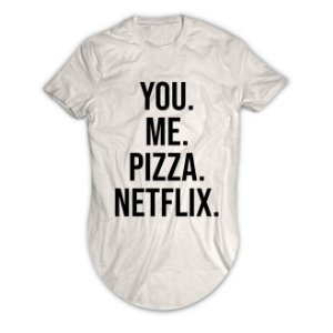 Camiseta Longline You Me Pizza Netflix