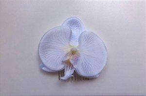 Pente com orquídea média branca