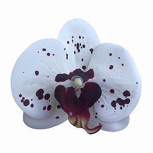 Presilha de orquídea em silicone branca com bolinhas roxas