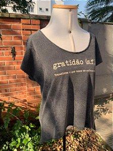 T-shirt Gratidão feminina marmo