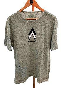 T-shirt triângulo botonê