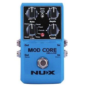 Pedal de efeito Nux modulador Mod Core de Luxe