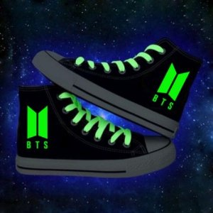 Tênis STAR Cano Alto BTS Luminescente