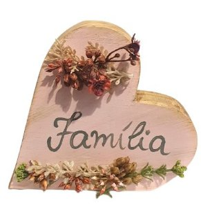 Coracao de Madeira para mesa com flores artificiais Familia