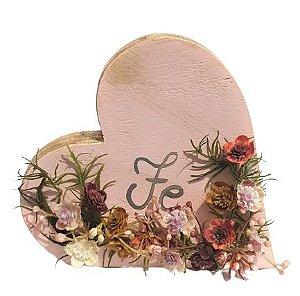 Coracao de Madeira para mesa com flores artificiais Fe