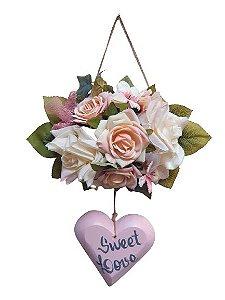 Coracao Rosa de Madeira com Buque de Flores Tons Rosada