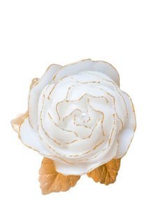 Vela em formato de rosa com folha e filete de ouro