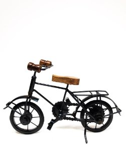 Bicicleta em Ferro e Madeira Indiana
