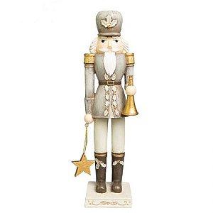 Soldado Quebra Nozes cinza carregando estrela