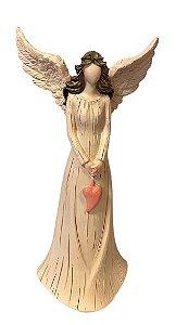 Anjo em Resina com Asas abertas e coração Rosa