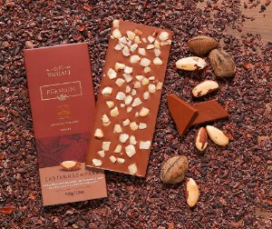 Tablete chocolate ao leite com castanhas do Pará