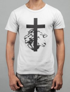Camiseta Branca Cordeiro e Leão