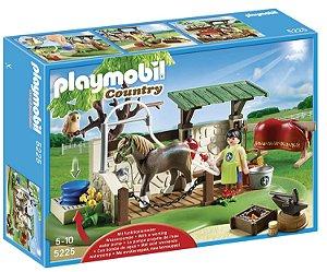 Brinquedo Playmobil Centro de Cuidados de Cavalos 5225