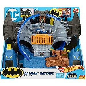 Nova Pista Hot Wheels Batman Batcaverna GBW55