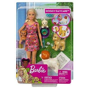 Boneca Barbie Treinadora de Cachorrinhos FXH08 Mattel