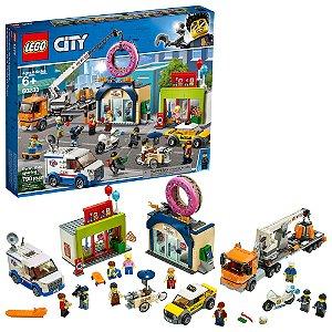 Lego City A Inauguraçao da Loja de Donuts 790 Peças 60233