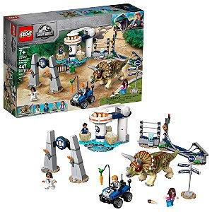 Lego Jurassic World A Furia do Triceratops 447 Peças 75937