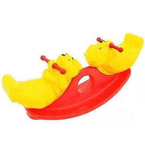 Brinquedo Gangorra Dupla Ursinho Pooh Amarelo Xalingo 18198