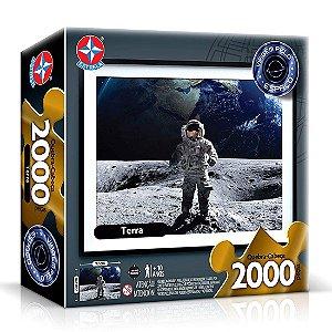 Quebra Cabeça Terra e Astronauta 2000 peças 71x97 cm Estrela
