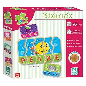 Jogo de Encaixe Soletrando com 47 Peças Nig Brinquedos 0418