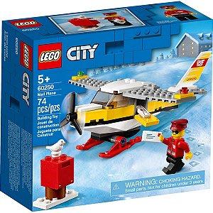 Lego City Blocos de Montar Aviao Correio com 74 Peças 60250