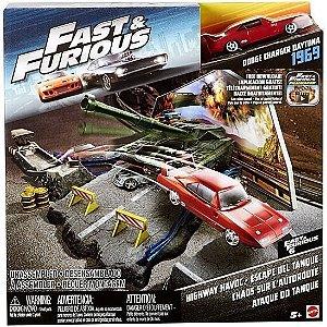 Hot Wheels Ataque Tanque Cenário Fast Furious Mattel Fcg11