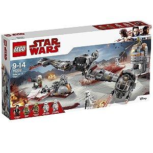 Brinquedo De Montar LEGO Star Wars Defesa De Crait 75202