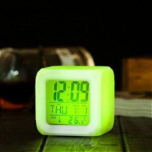 Relógio Cubo com LED 7 cores