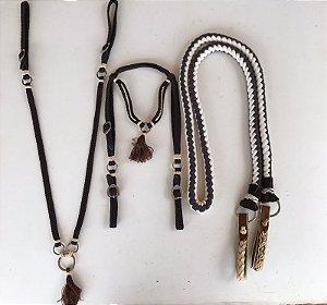 Conjunto de peitoral e cabeçada de franja marrom com bege + rédea de cavalo rançada