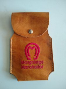 Capa Celular Mangalarga Bordado Vemelho