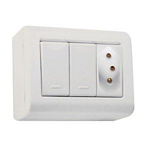 Conjunto Caixa 2 Interruptores Simples 10A 250V e 1 Tomada 2P+T 10A 250V Tramontina