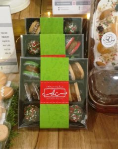 Caixas para 09 doces com cinta Personalizada - Kit com 100 unidades