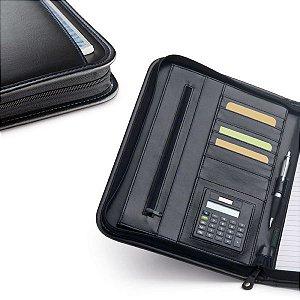 Pasta A4 C sintético c/ bolso frontal Calculadora dual-power de 8 dígitos Incluso pilha LR1130 Bloco: 20 folhas pautadas Esferográfica não inclusa